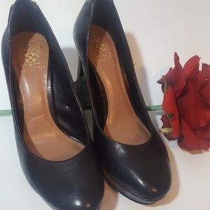 Vince Camuto black leather heels 6.5